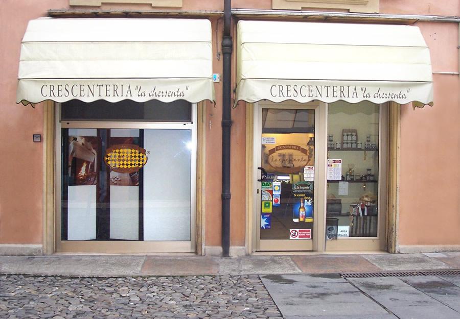 La chersenta negozi crescenteria tigella for Negozi arredamento modena